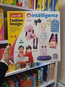 Öltöztetős babás játék Mya